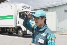 【短時間&週3勤務からOK!】2t・4tトラックコンビニ配送ドライバー