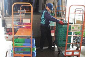 【ルート配送】4トン店舗配送トラックドライバー 住宅手当・家賃補助